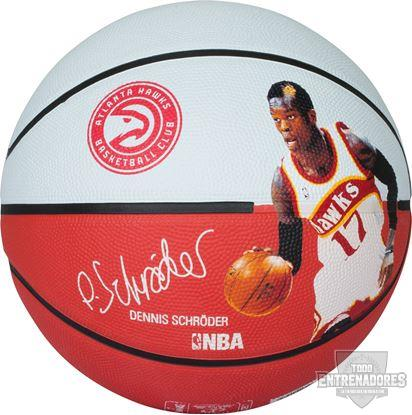 Foto de Balón NBA player ball Dennis Schroeder