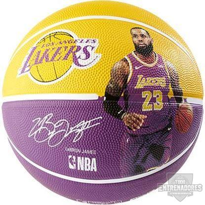 Foto de NBA PLAYER BALL LEBRON JAMES